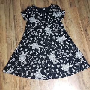 Women's Short-Sleeve Black Floral Jersey-Knit Swing Dress Old Navy Size Small